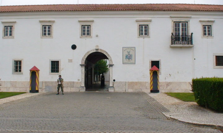 Militares de Estremoz apoiam o Serviço Nacional de Saúde