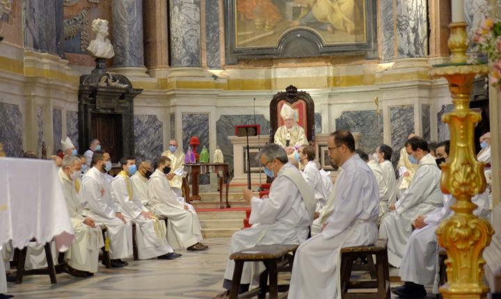 Cinco sacerdotes da Arquidiocese de Évora fazem atendimento espiritual pelo telefone