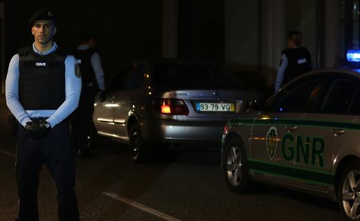 Jovem detido em flagrante por furto de veículo