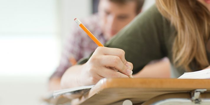 Viana do Alentejo atribui bolsas de estudo a alunos universitários