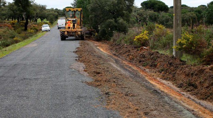 Estrada municipal em Montemor-o-Novo beneficia de obras