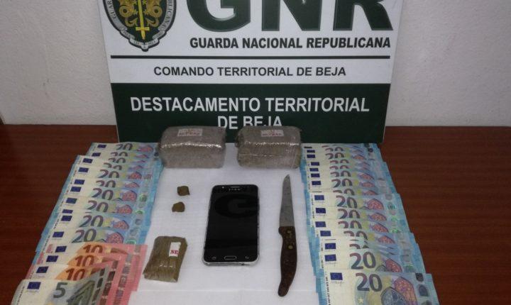 Homem detido com mais de 800 doses de haxixe no concelho de Beja