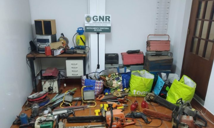 GNR recupera objetos furtados no valor de 14 mil euros no concelho de Redondo