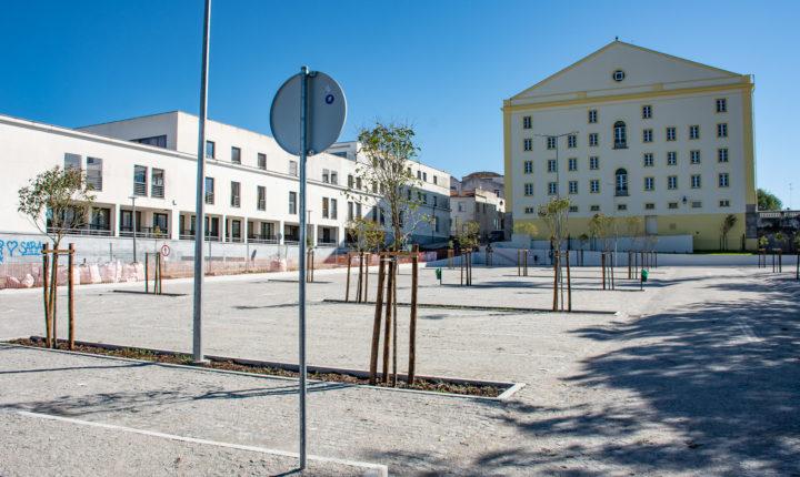 Parque de estacionamento do Teatro Garcia de Resende entrou em funcionamento