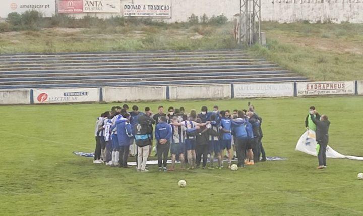 Futebol: Juventude garante manutenção no Campeonato de Portugal