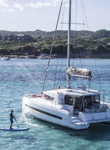 Do Porto ao Algarve: Explore a costa portuguesa com um aluguer de barco