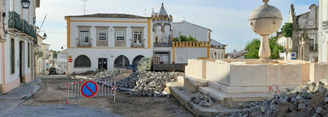 """Prosseguem as obras no âmbito do projeto """"Évora Turismo para todos"""""""