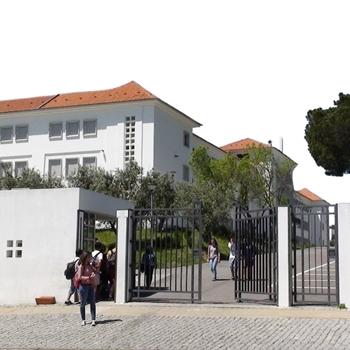 Escola Secundária Severim de Faria com mais de 400 alunos em casa