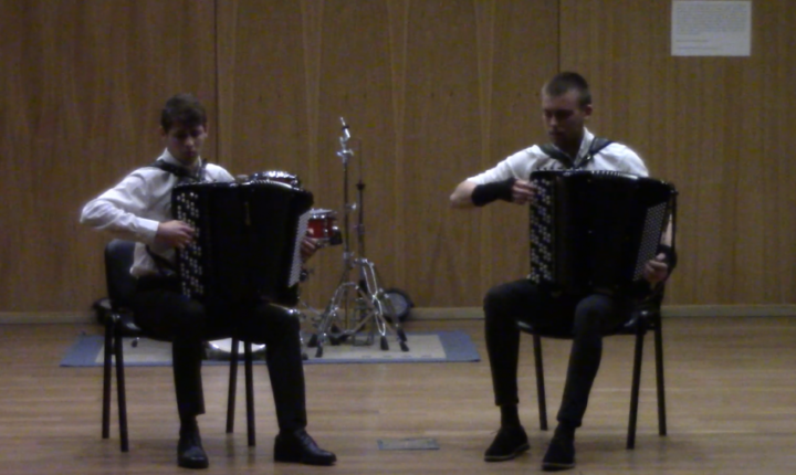 Dupla de estudantes de música da UÉ vence  Concurso Internacional