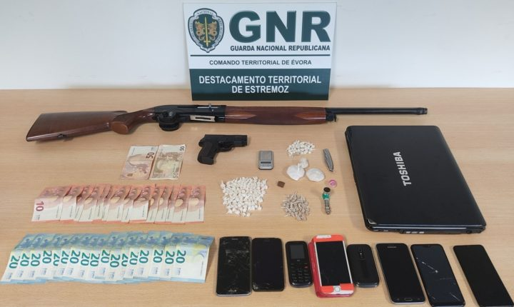 GNR deteve cinco homens com 400 doses de droga