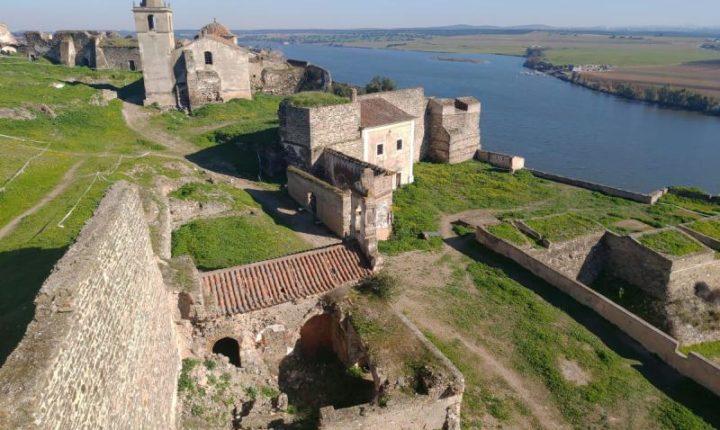 Restauro de muralhas de antiga fortaleza em Alandroal arranca em agosto
