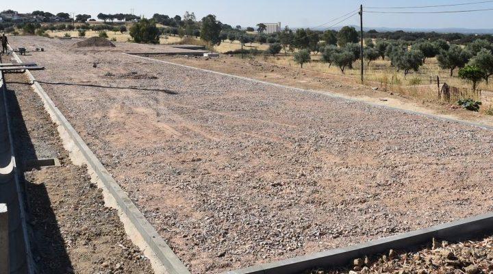 Nova pista de atletismo em construção no concelho de Mora